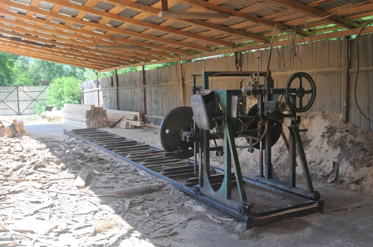 afacere lemn gater polovragi