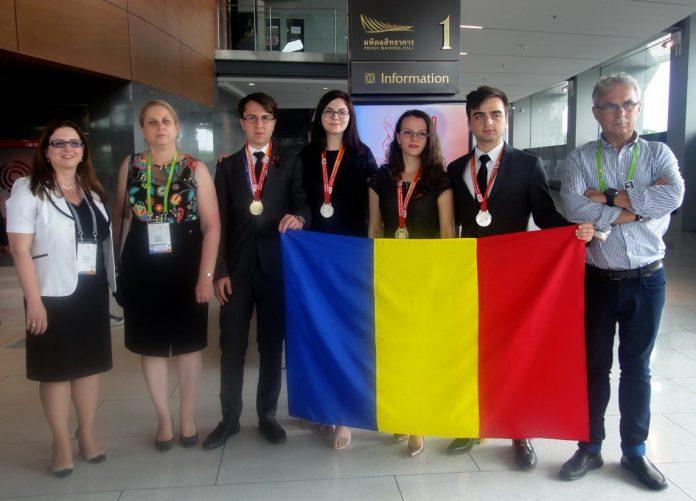 Olimpicii României la Chimie s-au întors cu 4 medalii din Thailanda. Foto: Ministerul Educației