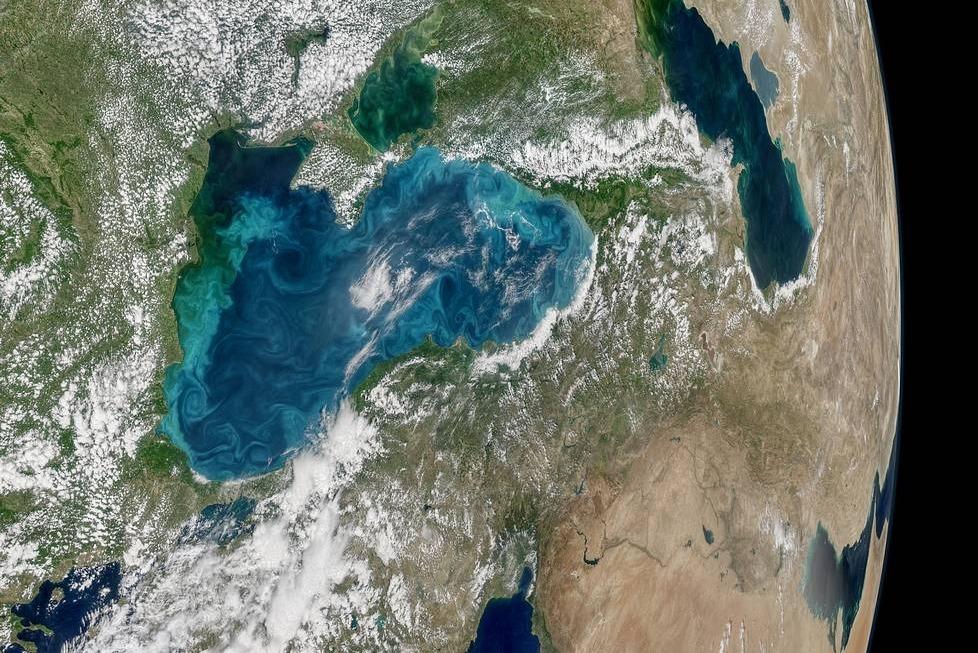marea neagră apă turcoaz albastră