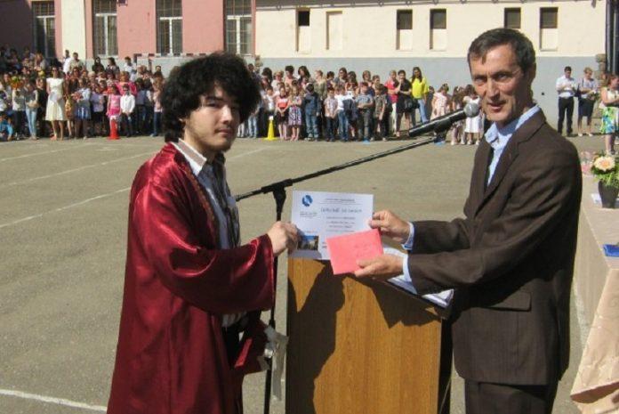 Tamio Nakajima este unul dintre cei mai buni tineri informaticieni din România. Foto:bihon.ro