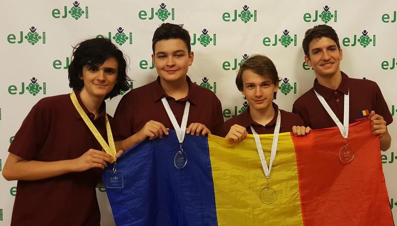 Elevii români au obținut 4 medalii la Olimpiada Europeană de Informatică pentru Juniori. Foto: Ministerul Educației