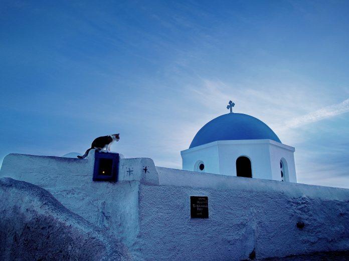 Lidl a decis să elimine simbolistica religioasă de pe bisericile din Santorini. Foto: Zhang Yu / Flickr