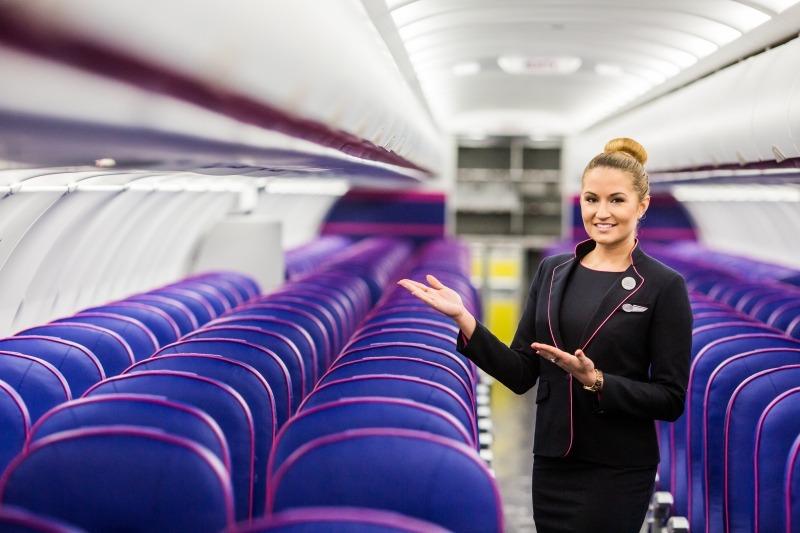 wizz air stewardese
