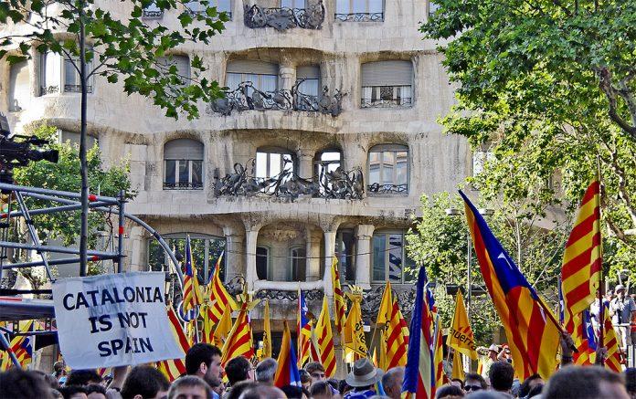 Catalanii vor să își declare cât mai curând independența față de Spania. Foto: SBA73 / Flickr