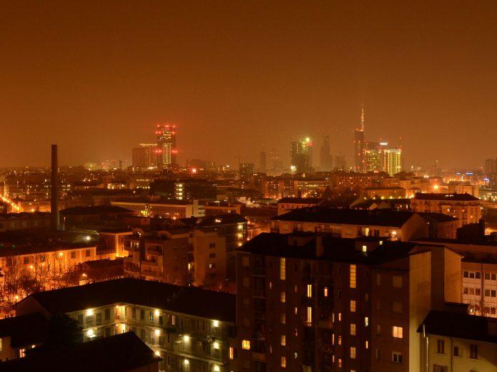 Milano, cel mai important oraș din Lombardia, este unul dintre motoarele economiei italiene. Foto: pjhooker / Flickr