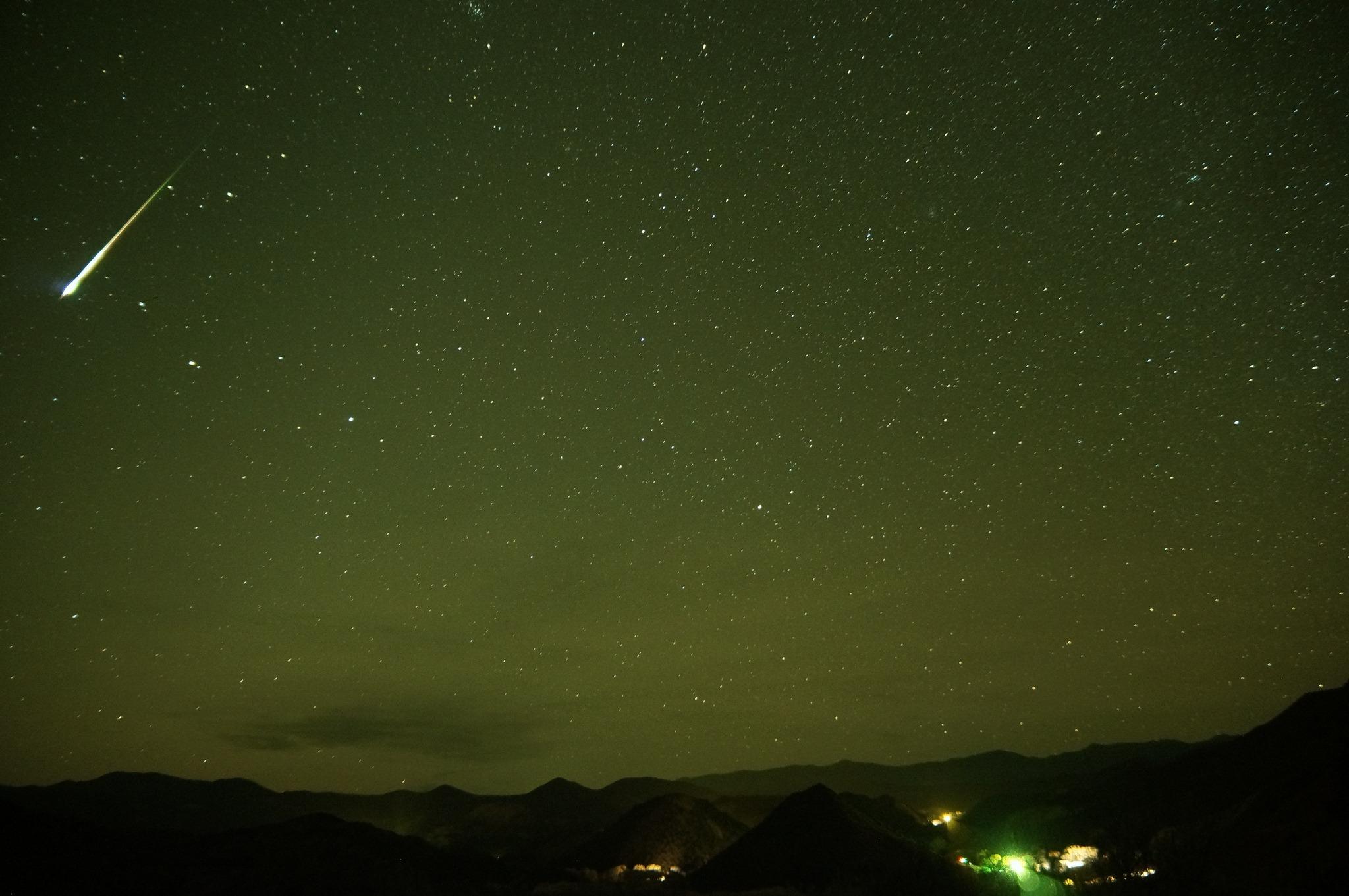 Orionidele au loc în fiecare an, în a doua parte a lunii octombrie. Foto: Mike Lewinski / Flickr