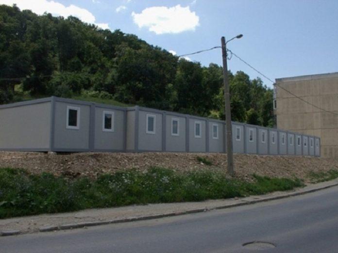 Containerele cumpărate de autoritățile locale pot găzdui 100 de oameni fără adăpost pe perioada iernii. Foto: Opinia Timișoarei