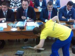 Primarul Focșaniului vrea ca toți locuitorii să plătească direct curățenia și deszăpezirea orașului. Foto: Vrancea24.ro