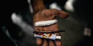 În București trăiesc aproape zece mii de depedenți de substanțe injectabile. Foto: Jordi Bernabeu Farrús / Flickr
