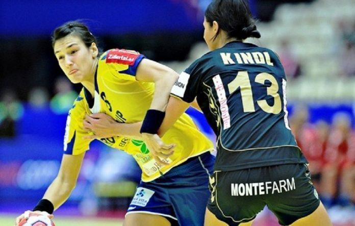 Cristina Neagu a fost cea mai bună marcatoare a României în meciul cu Slovenia. Foto: Ramona Aricel / Flickr