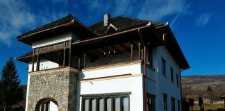 Conacul din Dobrița unde a locuit Regele Mihai. Foto: Pandurul.ro