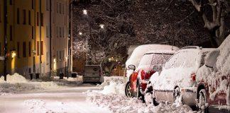 mașini zăpadă ninsoare ninsori ninge