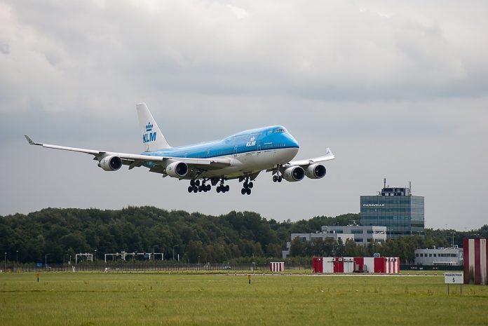 Bilete de avion ieftine FOTO: corgaasbeek/Pixabay.com