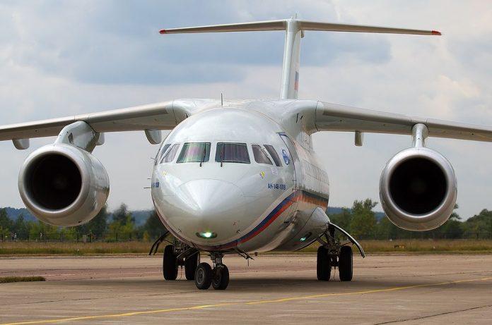 avion antonov 148