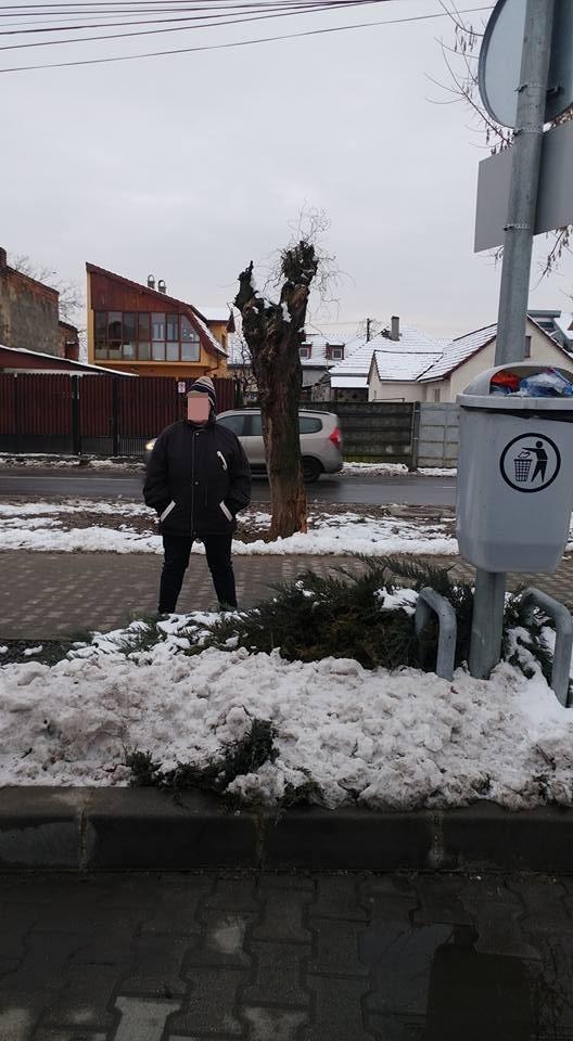 paznic lidl satu mare femeie închisă container deșeuri