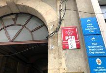 Sediul PSD Cluj a fost ținta unor cetățeni nemulțumiți. Foto: Captură Youtube
