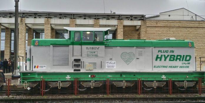 Locomotiva hibrid realizată în România. Foto: Facebook