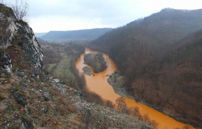 poluare râul lăpuș