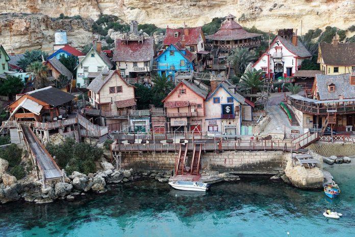 """""""Popeye`s village"""", locul în care s-a filmat Popeye în 1980, cu Robin Williams în rol principal FOTO:strecosa/Pixabay.com"""