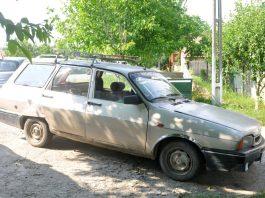 mașină veche