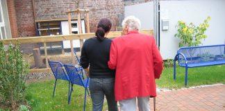 oferte îngrijire bătrâni angajări îngrijire bătrâni