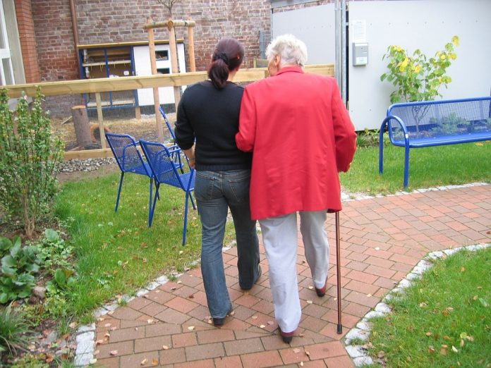 îngrijire bătrâni în străinătate Job îngrijire bătrâni în străinătate oferte îngrijire bătrâni angajări îngrijire bătrâni îngrijitori de bătrâni joburi îngrijire bătrâni