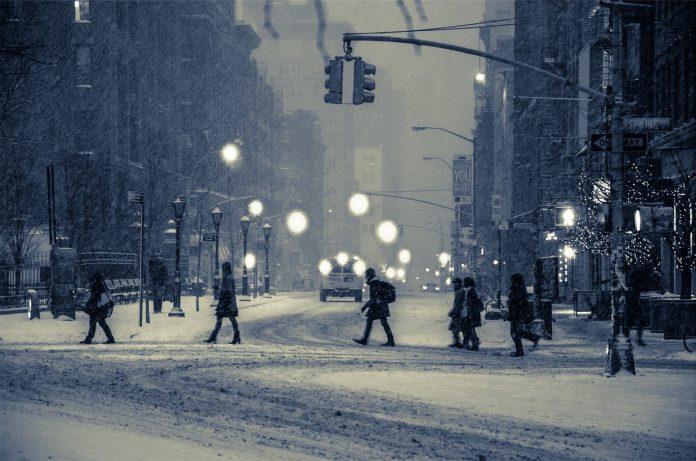 oraș ninge ninsoare