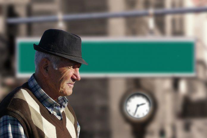 bătrân pensionar