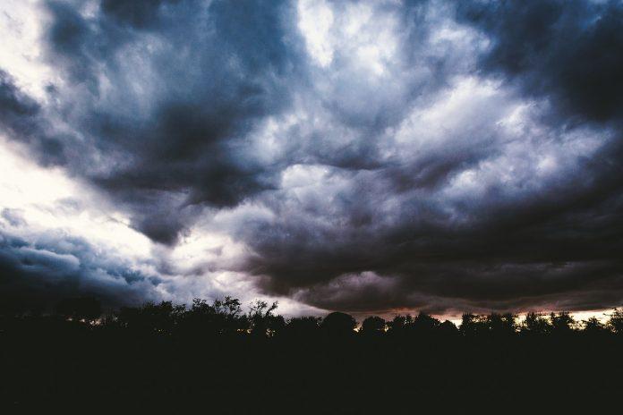 nori negri furtună cod portocaliu