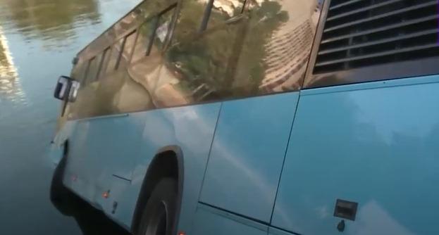 autobuz căzut dâmbovița