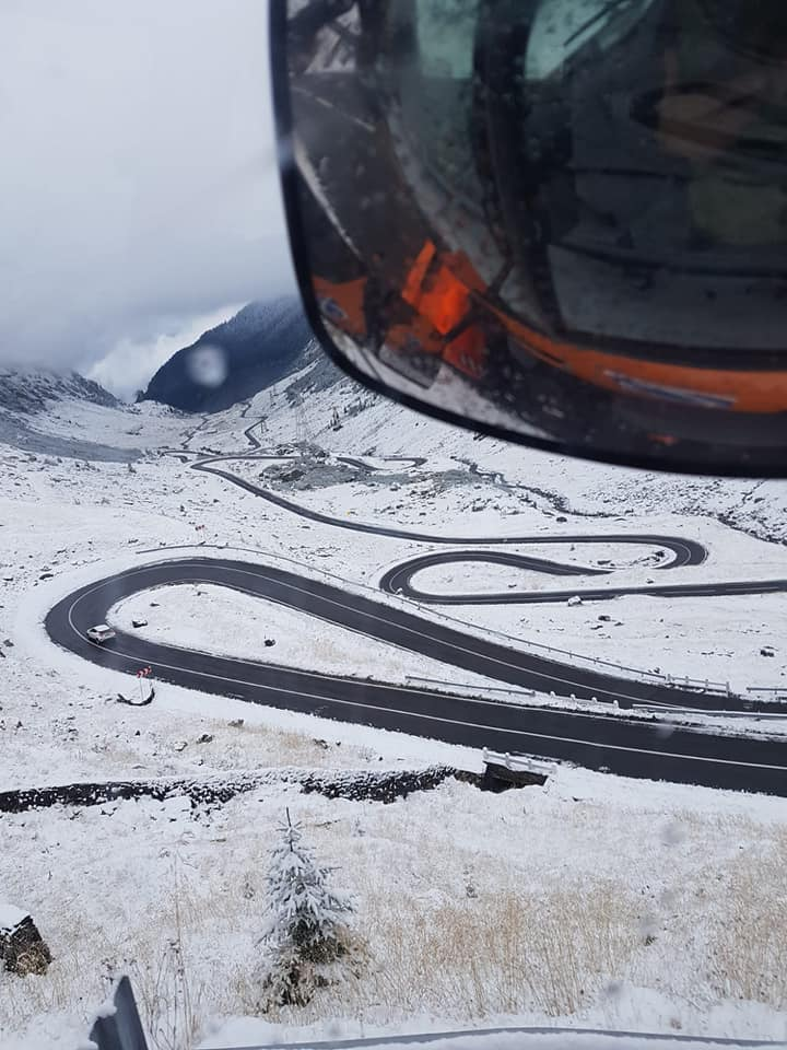 transfăgărășan zăpada iarna ninsoare