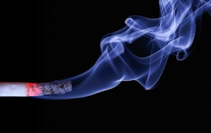 Câțiva angajați britanici și japonezi pot trece pe lista cu beneficiile renunțării la fumat și faptul că au un concediu mai lung FOTO: realworkhard/Pixabay.com