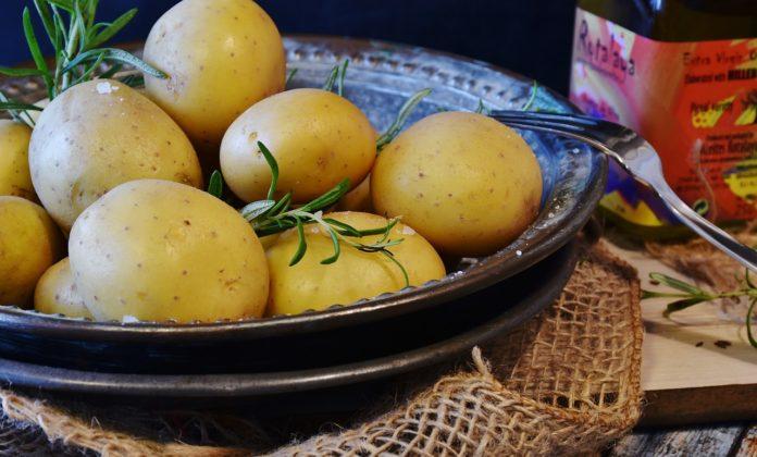 câte calorii are un cartof fiert