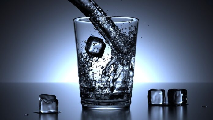 câte calorii are apa plată tonică minerală