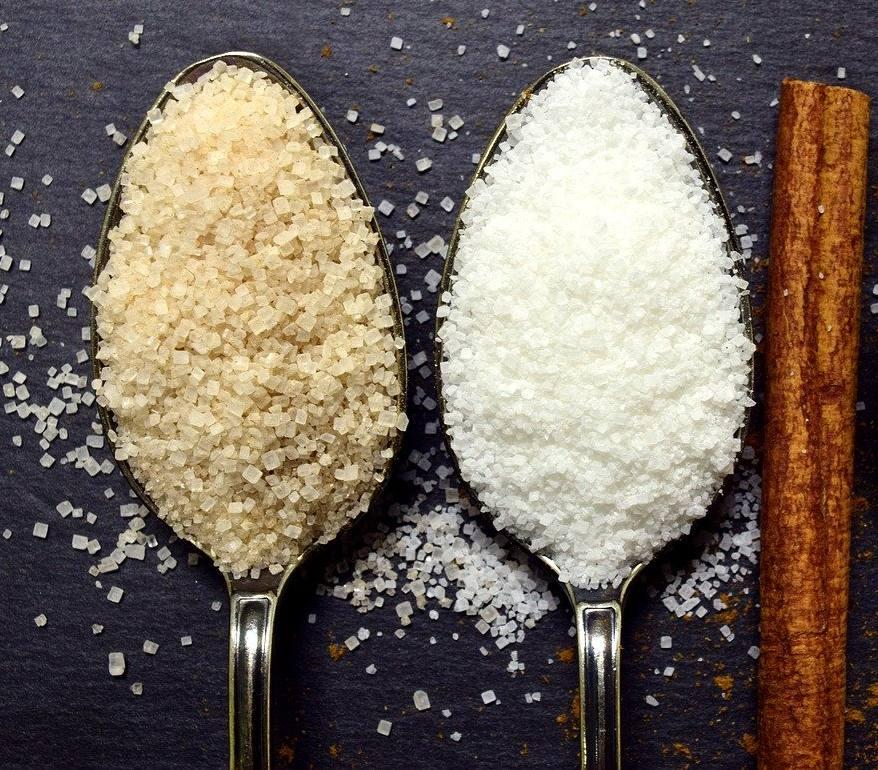 diferența între zahăr alb și brun