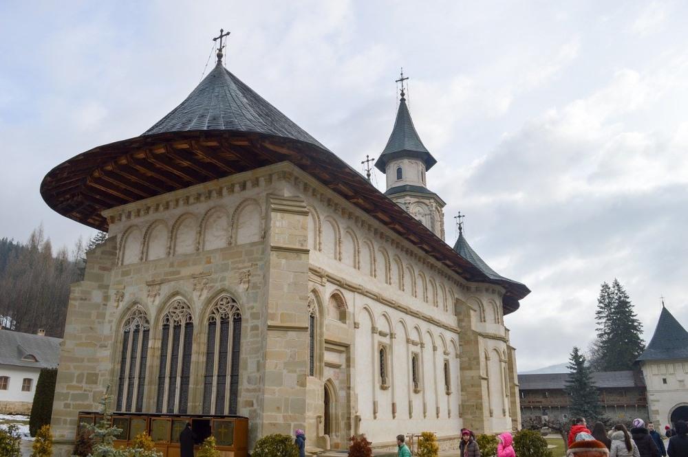 putna mănăstire