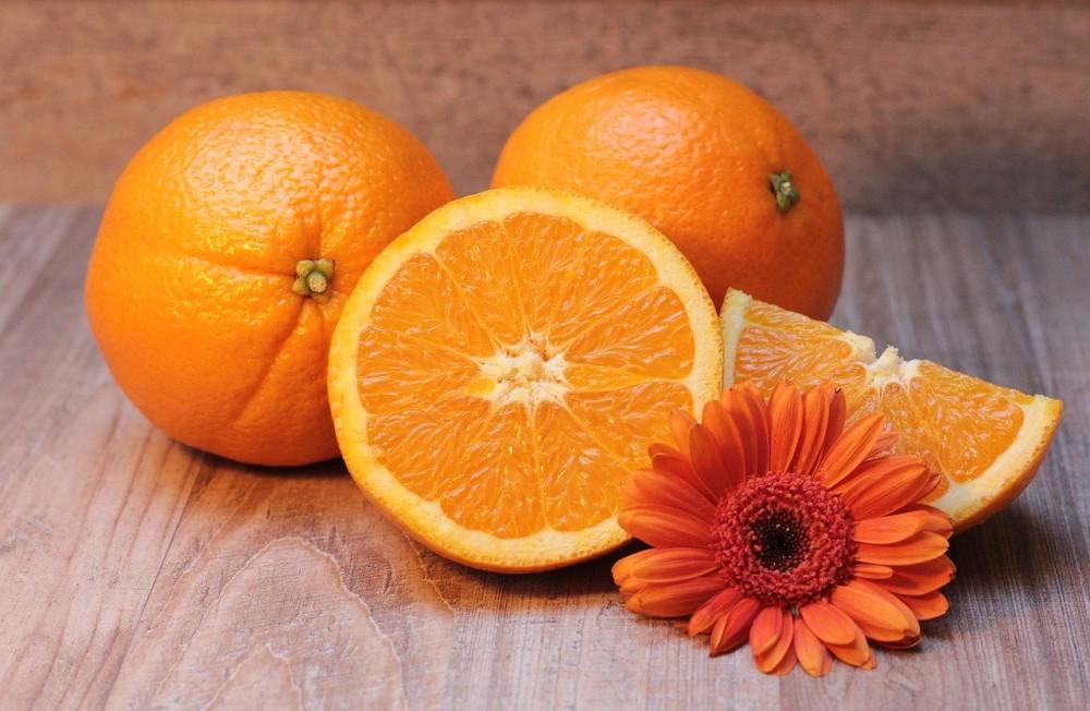câte calorii are o portocală