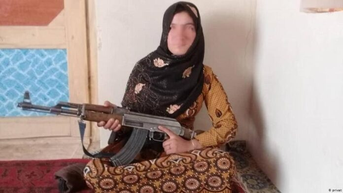 adolescentă talibani