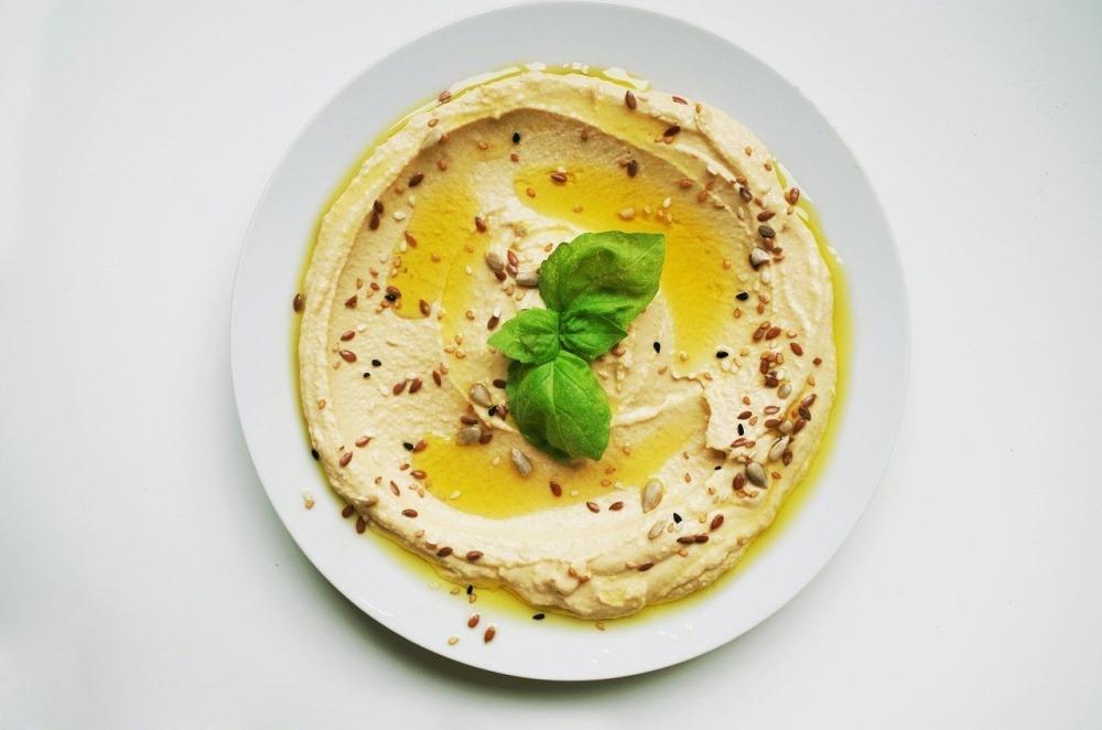 câte calorii are humusul