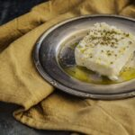 câte calorii are brânza feta
