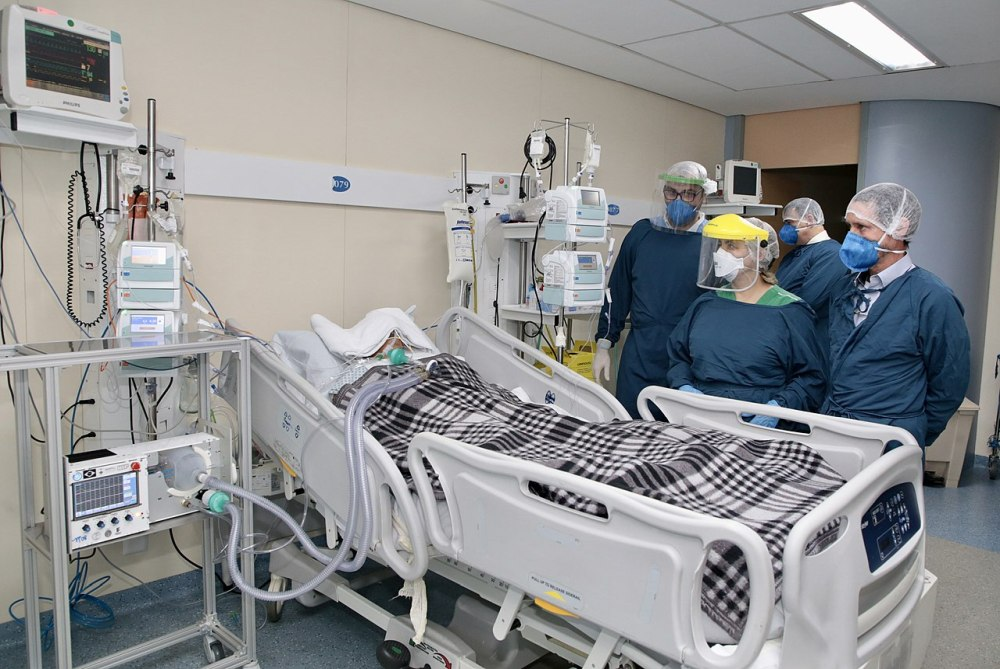 pacient covid spital