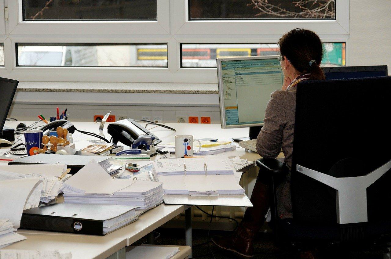 birou office femeie