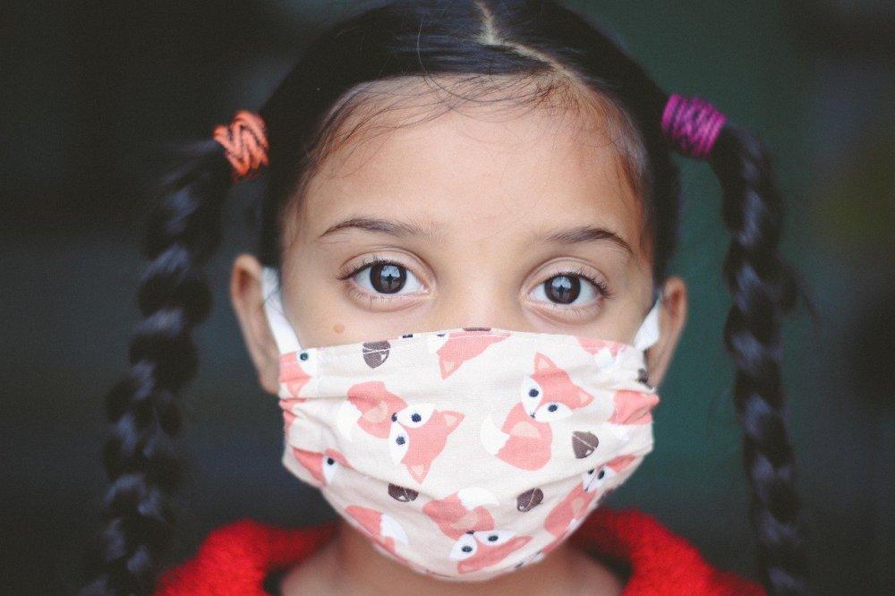 copil mască coronavirus