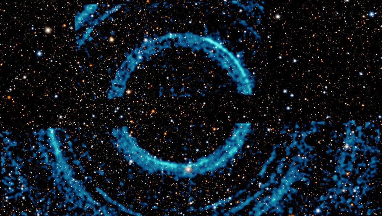 gaură neagră v404 cygni