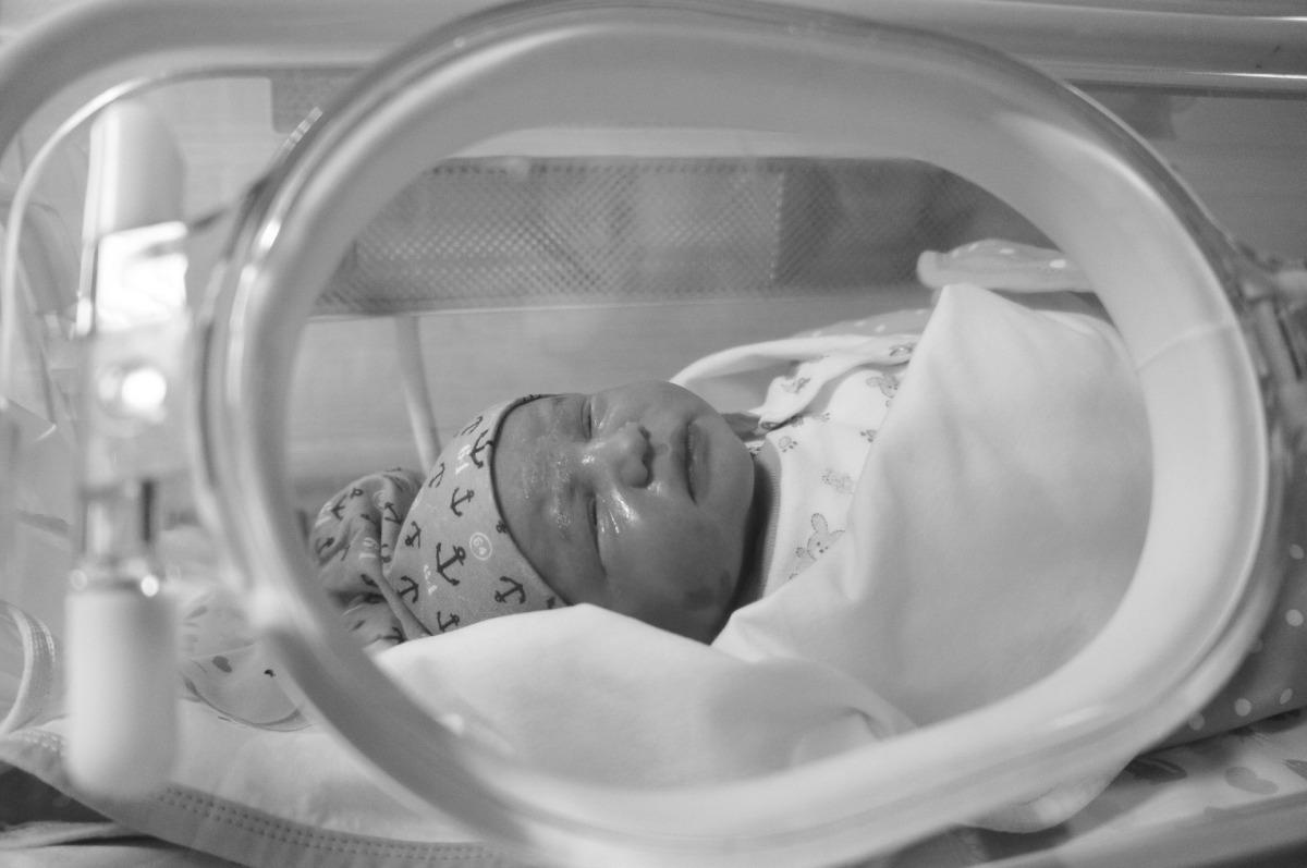 bebeluș copil spital