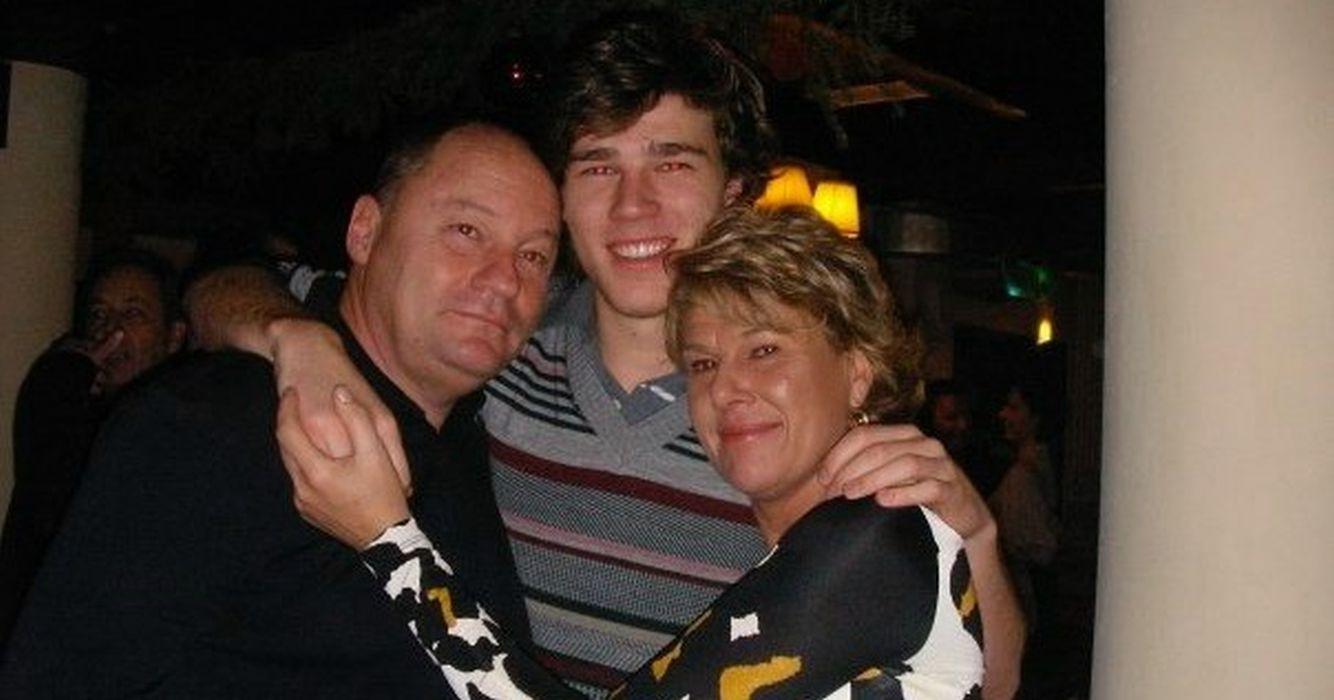 Dan Petrescu alături de soția sa și fiul lor